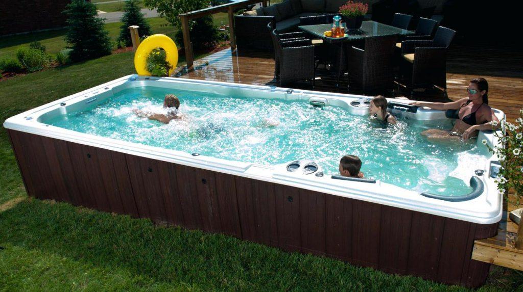 Spa de nage mono bassin semi encastre en exterieur