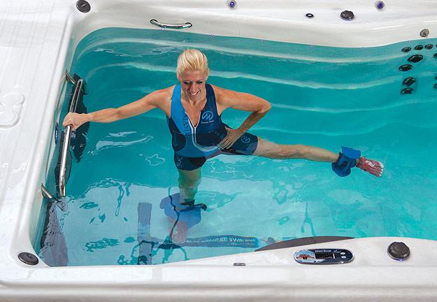 Les accessoires pour exercices aquatiques en spa de nage