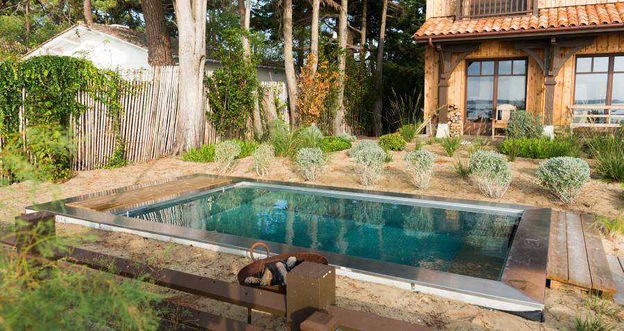 Atypique, la mini piscine en inox présente de nombreux avantages
