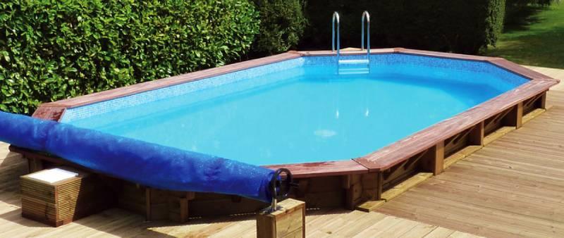 Les piscines en kit bois peuvent s'installer en hors-sol, semi-enterrée ou totalement enterrée